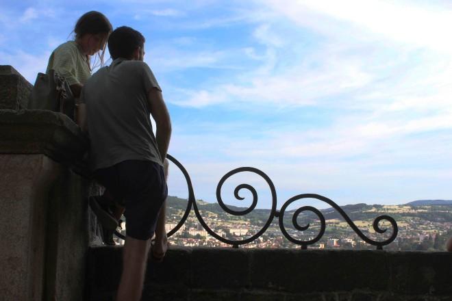 André & Adélaïde in Le Puy-en-Velay, Auvergne, France | Infinite belly