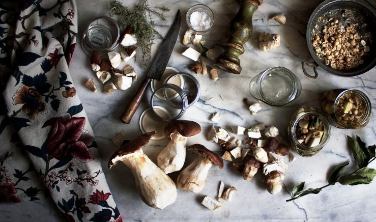 Porcini mushrooms jars | Infinite belly