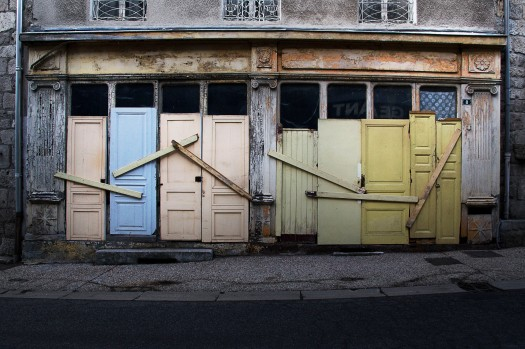 Colorful doors in French village | Infinite belly